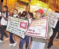 Bolivia: miles de orureños se manifiestan a favor de la vida y contra el aborto