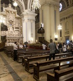 Explota una bomba de fabricación casera en la Basílica del Pilar