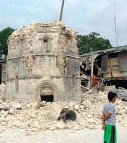 Más de 180 fallecidos y decenas de miles de hogares destruidos por un devastador terremoto en Filipinas