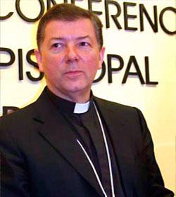 Mons. Martínez Camino recuerda que siendo cardenal el Papa llamó mal diabólico al «matrimonio homosexual»