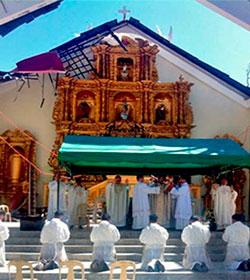 La archidiócesis de Palo, Filipinas, ordena a 7 sacerdotes en medio de los destrozos del tifón