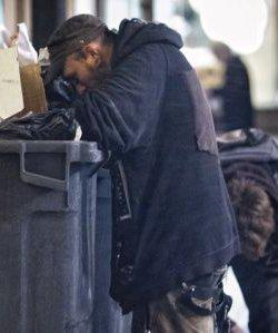 La tasa de riesgo de pobreza en España baja solo seis décimas y sigue por encima del 20 por ciento