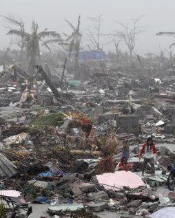 Cruz Roja describe como «un caos absoluto» la situación en Filipinas tras el paso del tifón