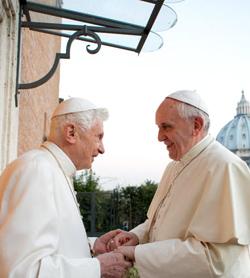 Benedicto XVI almorzó hoy con el papa Francisco en la Casa de Santa Marta