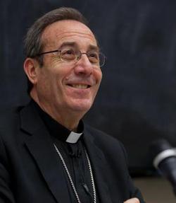 El arzobispo de Pamplona rezará este viernes un rosario ante la primera clínica abortista de Navarra