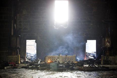 Un fuego destruye el santuario de la Virgen de la Barca en Galicia