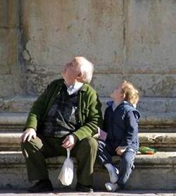 Se confirma la disminución de la población española  y crece el temor sobre la sostenibilidad del sistema de pensiones