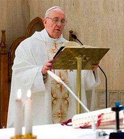 El Papa advierte que el sacerdote que no tiene una relación estrecha con Cristo se convierte en un idólatra