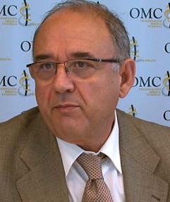 El presidente de la Organización Médica Colegial insiste en que se pueda matar a los fetos con malformación grave