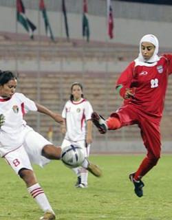 LA FIFA aprueba el uso del velo y el turbante a los futbolistas
