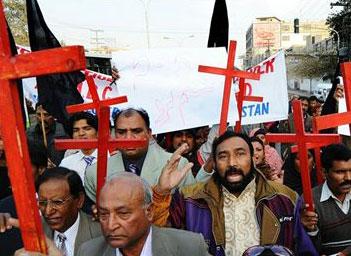Pakistán: movilización pidiendo justicia por la violación de una niña cristiana de cinco años por musulmanes