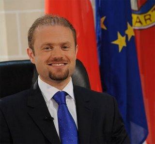 Malta aprueba las uniones civiles entre homosexuales y su «derecho» a adoptar