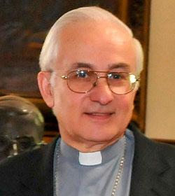El arzobispo de Córdoba explica el bautizo de la hija de una lesbiana tras hablar con Roma