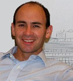 Chile «se está cayendo a pedazos», alerta el destacado jurista Alvaro Ferrer