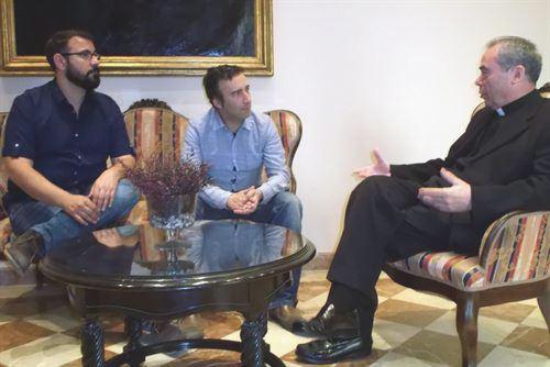 El obispo de Málaga se reúne con el lobby gay para «clarificar algunos malentendidos»