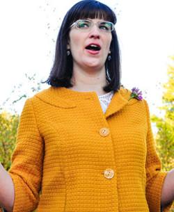 Los mormones excomulgan a Kate Kelly que por promover la ordenación sacerdotal de mujeres