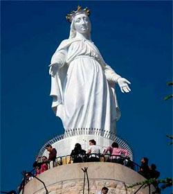 Millones de musulmanes visitan los santuarios marianos de Oriente: María atrae más a las mujeres