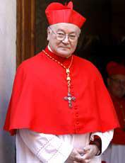 El cardenal Renato Martino asegura sobre el Sínodo que la Iglesia no puede traicionar su doctrina