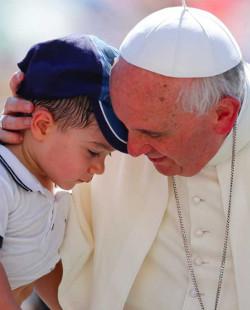 Papa Francisco: «los niños tienen derecho a crecer en una familia, con un padre y una madre»