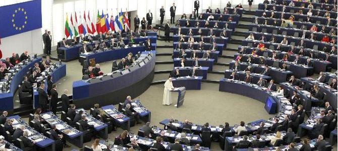El Papa defiende la sacralidad de toda vida humana ante el Parlamento europeo