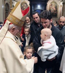 El cardenal Cañizares insta a defender el matrimonio frente a políticas irresponsables y suicidas
