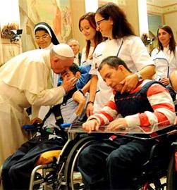 El Papa pide a los enfermos confiar en Jesús como hizo María