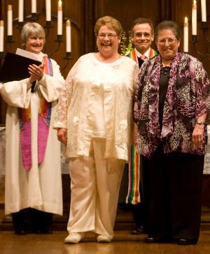 Los presbiterianos de Estados Unidos se burlan de la Escritura y cambian la definición de matrimonio