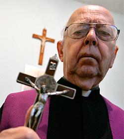 Padre Gabrielle Amorth: ISIS es Satanás
