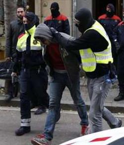 Anarquistas detenidos el lunes en España están vinculados al atentado contra la Catedral de La Almudena
