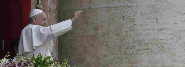 El Papa pide al mundo no permanecer 'inerte' ante el drama de los refugiados