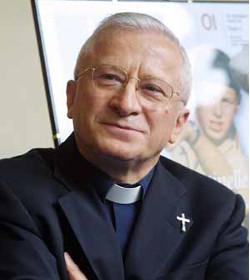 El cardenal Antonelli recuerda que la gracia de Dios permite ser casto a un divorciado vuelto a casar