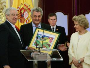 Cáritas Española recibe el primer Premio «Institución del Defensor del Pueblo»