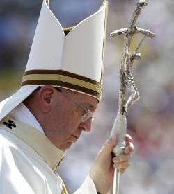 El Papa en Bosnia: «¡Nunca más la guerra!»