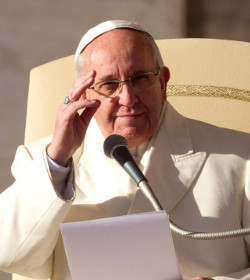 Papa Francisco: «Es indispensable que la Palabra de Dios se convierta en el corazón de toda actividad eclesial»