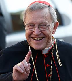 El cardenal Kasper se retracta sobre el supuesto apoyo del Papa a la comunión para divorciados