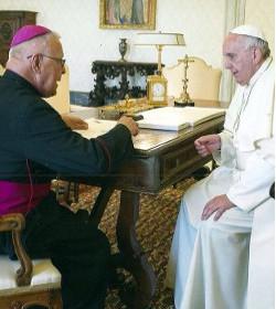 Mons. Lückert cree que el Papa no visitará Venezuela mientras haya presos políticos