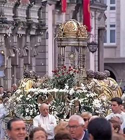 Nota de los obispos gallegos sobre la ausencia de políticos en la ofrenda al Santísimo Sacramento