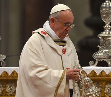 El Papa al cardenal Sarah: «Quiero que continúe la buena obra en la liturgia comenzada por Benedicto XVI»
