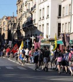 Más de diez mil jóvenes peregrinan en Francia por la conversión de Europa