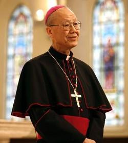 El cardenal John Tong dice que la dictadura china quiere llegar a un acuerdo con el Vaticano