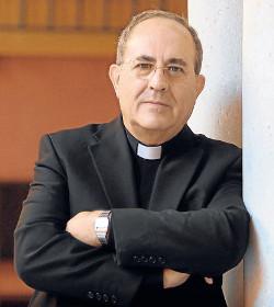 Mons. Asenjo pide cada día a Dios por la paz, la justicia, la libertad y la unidad de España