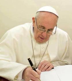 El Papa decreta que todos los sacerdotes puedan confesar del pecado del aborto en el Año de la Misericordia