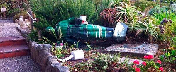 Vándalos atacan la tumba del nuevo santo Junípero Serra en California