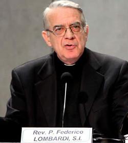 Lombardi explica que la visita del Papa a Lesbos tendrá un carácter humanitario y ecuménico