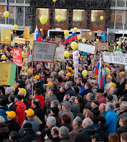 Eslovenia, a punto de ser el primer país del mundo en revocar el «matrimonio» homosexual