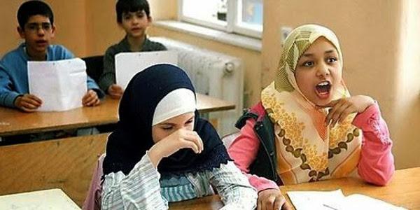 La Comisión Islámica de España pide a todas las comunidades autónomas que ofrezcan su asignatura de religión