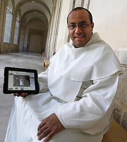 «Lo más hermoso que una comunidad religiosa puede dar a la iglesia son los frutos de santidad»