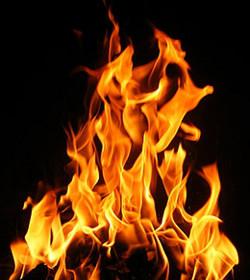 Prenden fuego dos iglesias en la localidad coruñesa de Narón
