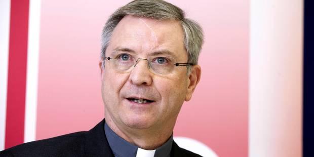 El obispo de Amberes propone rituales para bendecir adúlteros, fornicarios y parejas homosexuales