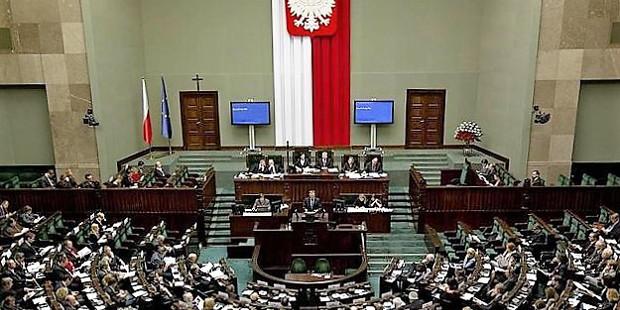 El parlamento polaco estudiará si prohíbe el aborto por daños en el feto